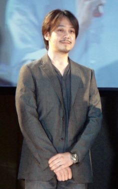 Chi è Hitoshi Sakimoto?
