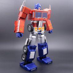 Transformers: Optimus Prime si trasforma da solo!