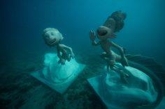 A Monterosso due statue subacquee ispirate ai personaggi di Luca e Alberto