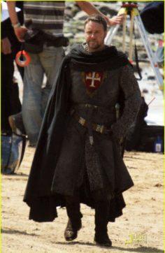 Come creare una tunica medioevale